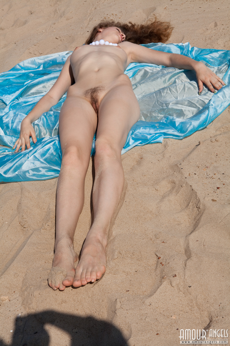 Get beach holiday nude xxx for free