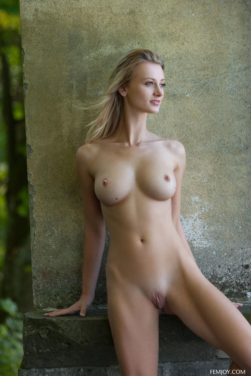 Hot Nude Sexy redhead teacher
