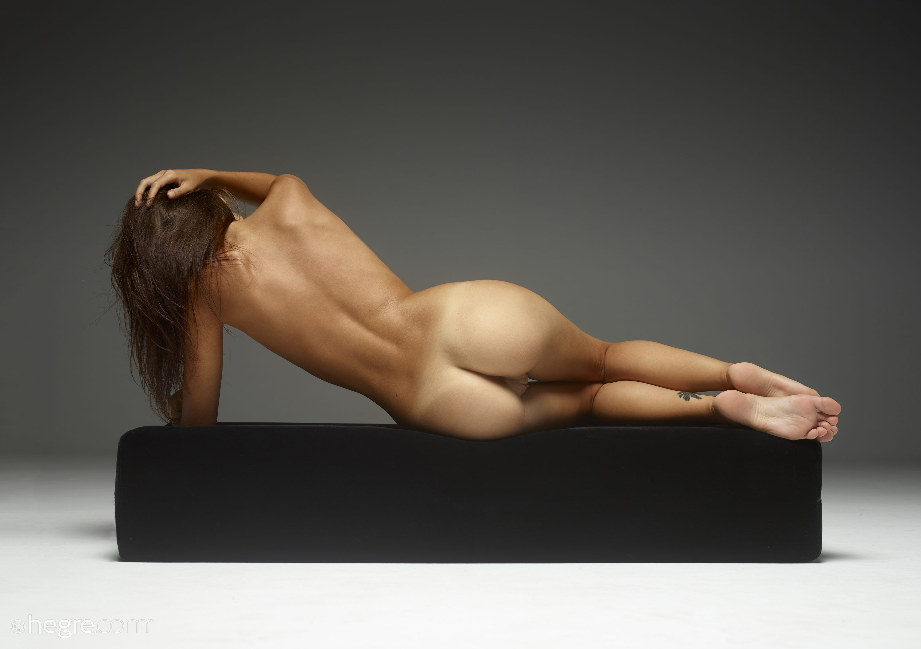 Nude art forms