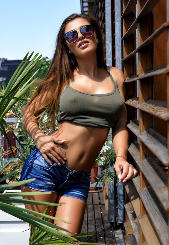 Visit photodromm.com
