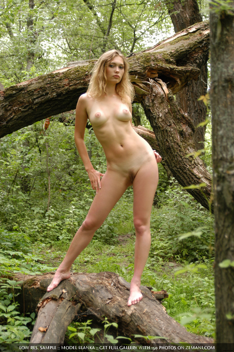 Wife outdoor pics, nude wives porn photos
